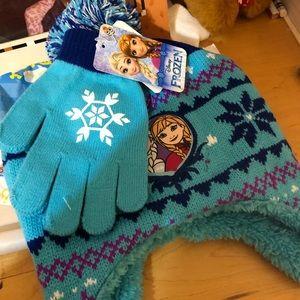 Other - NWT frozen hat&gloves